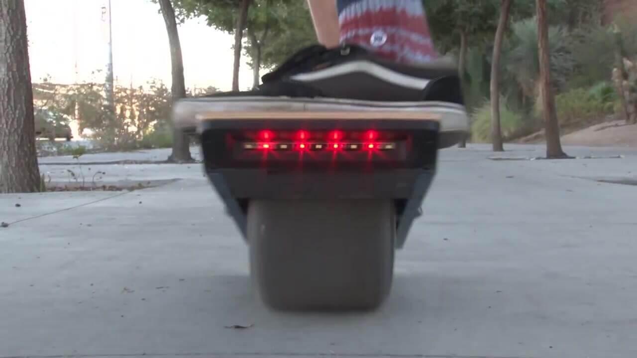 Skate électrique à une seule roue 1